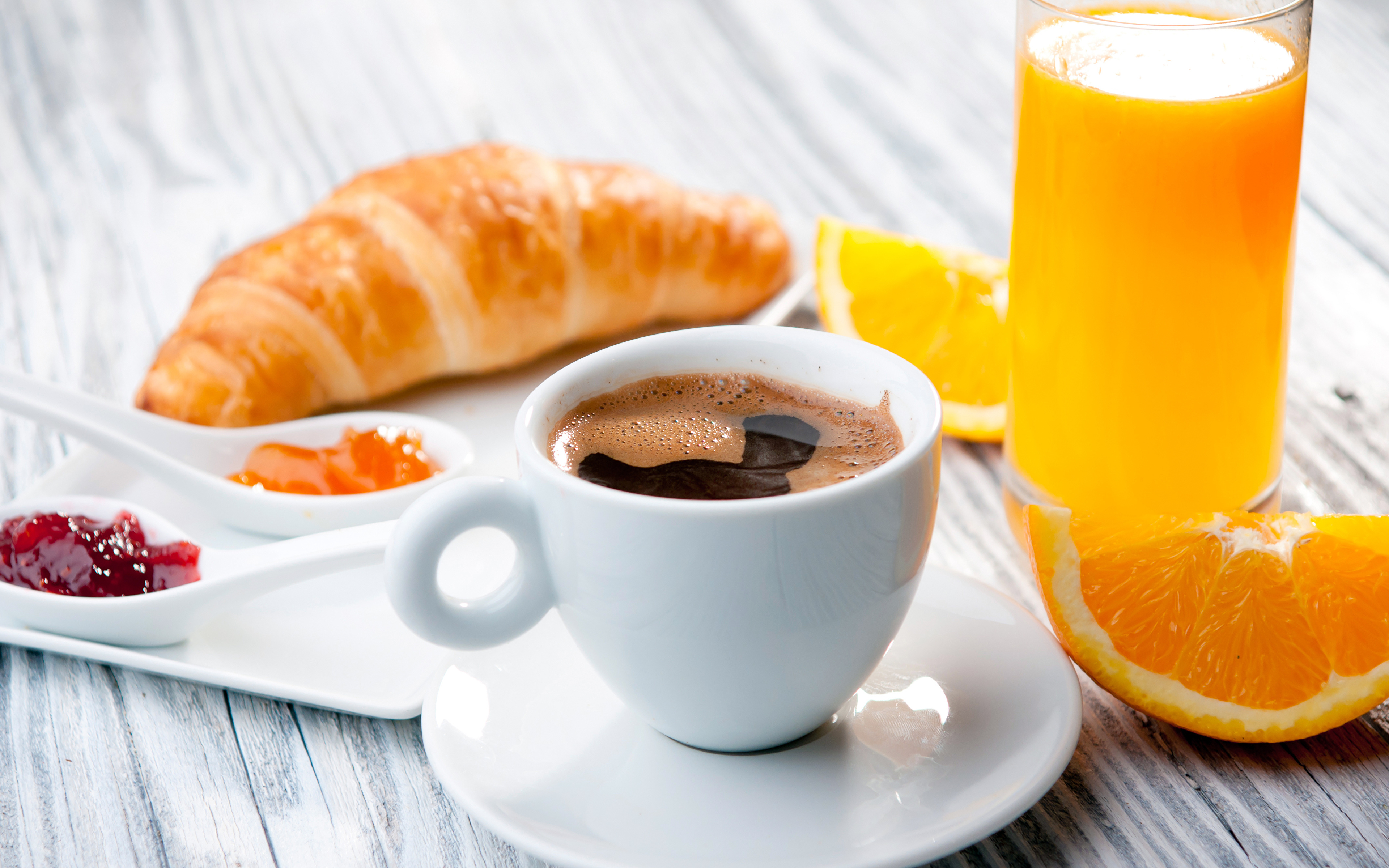cafe y jugo de naranja