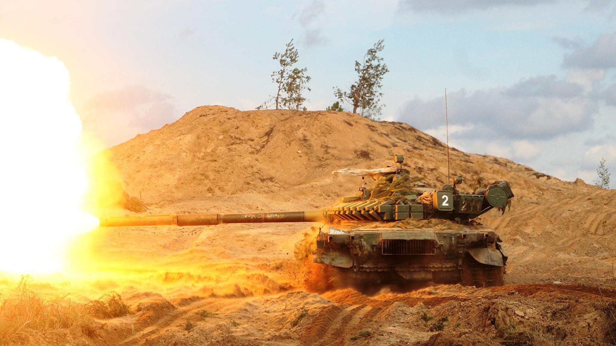 Fotos von T-72 Schuss Panzer Russische Heer 2048x1152