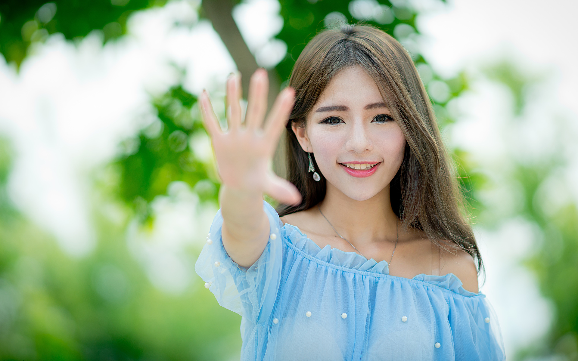 Wallpaper Brown haired Smile Gesture blurred background Girls Asiatic Hands Staring 1920x1200 gestures Bokeh female young woman Asian Glance