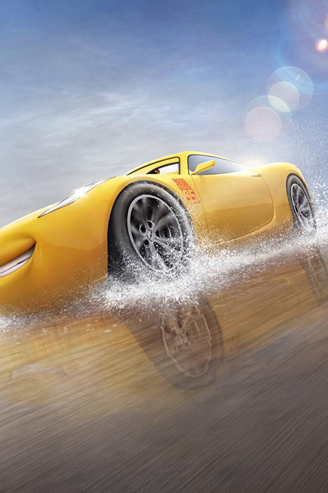 Fotos von Cars 3 Cruz Ramirez Gelb Animationsfilm 640x960 Zeichentrickfilm