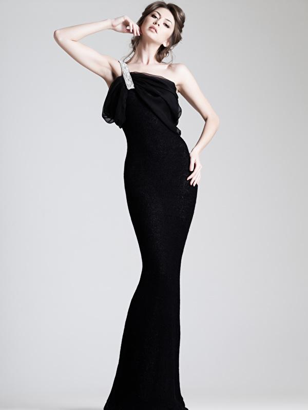 Hintergrundbilder Mädchens Hand Grauer Hintergrund Kleid 600x800
