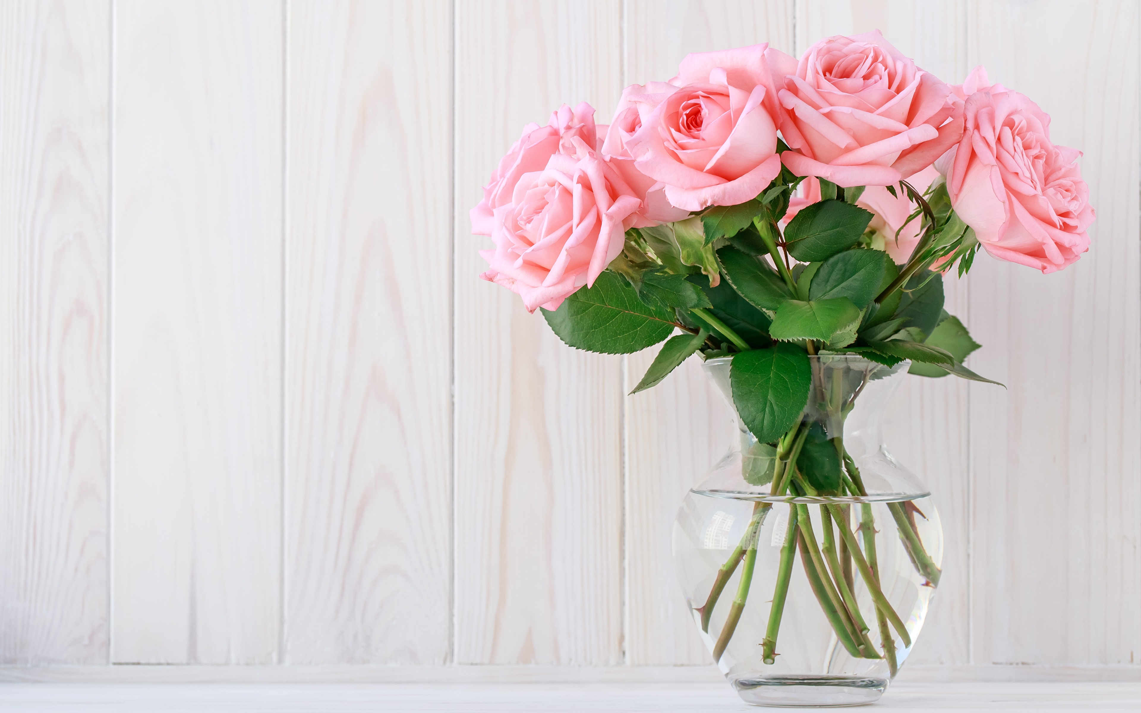 https://s1.1zoom.me/b5050/706/Roses_Bouquets_Pink_color_Vase_Template_greeting_588392_3840x2400.jpg