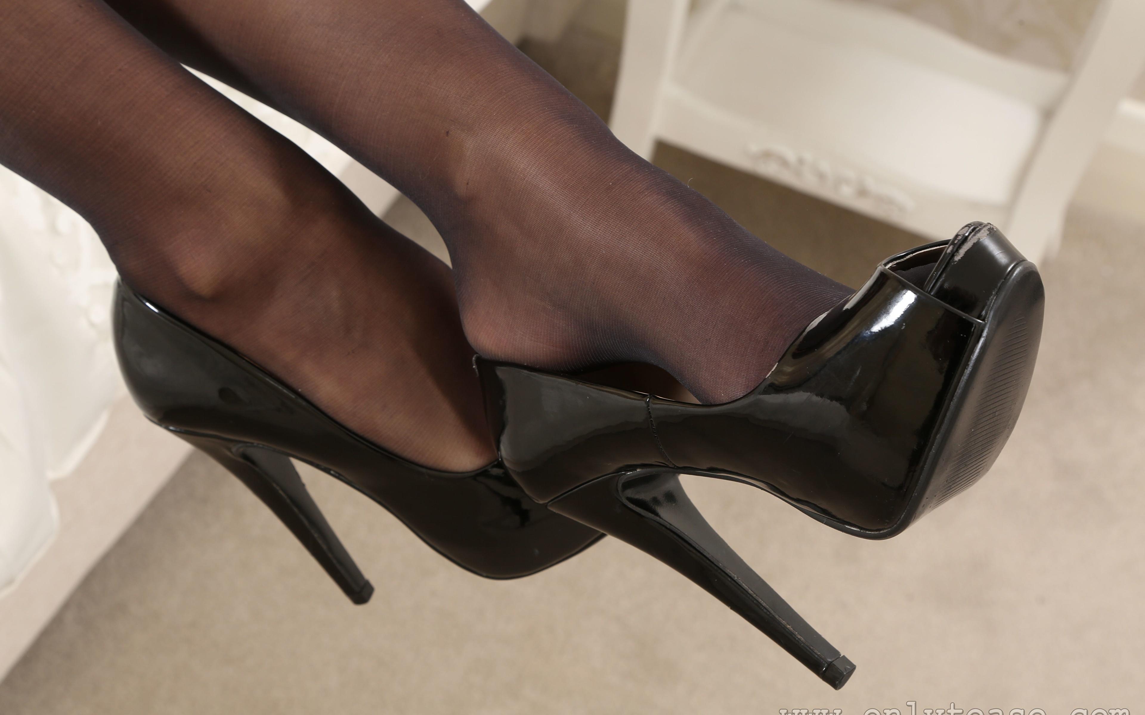 High heels and pantyhose