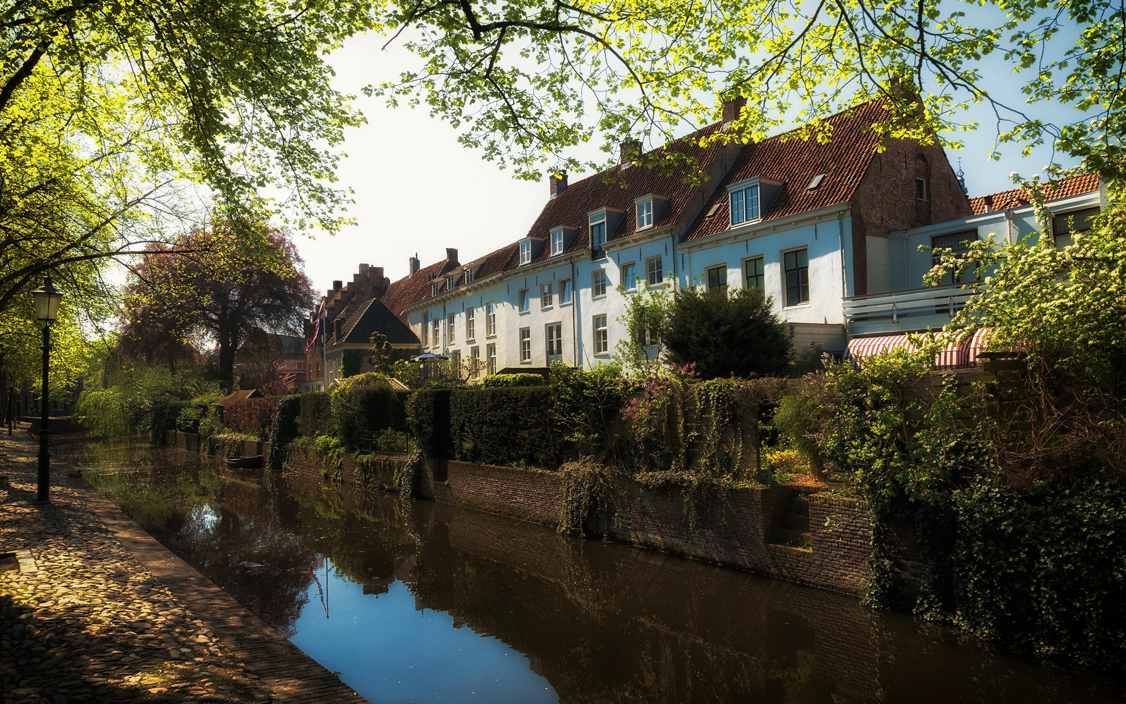 zdjęcia Holandia Amersfoort Kanał wodny Domy Drzewa Miasta 3840x2400 miasto budynki budynek