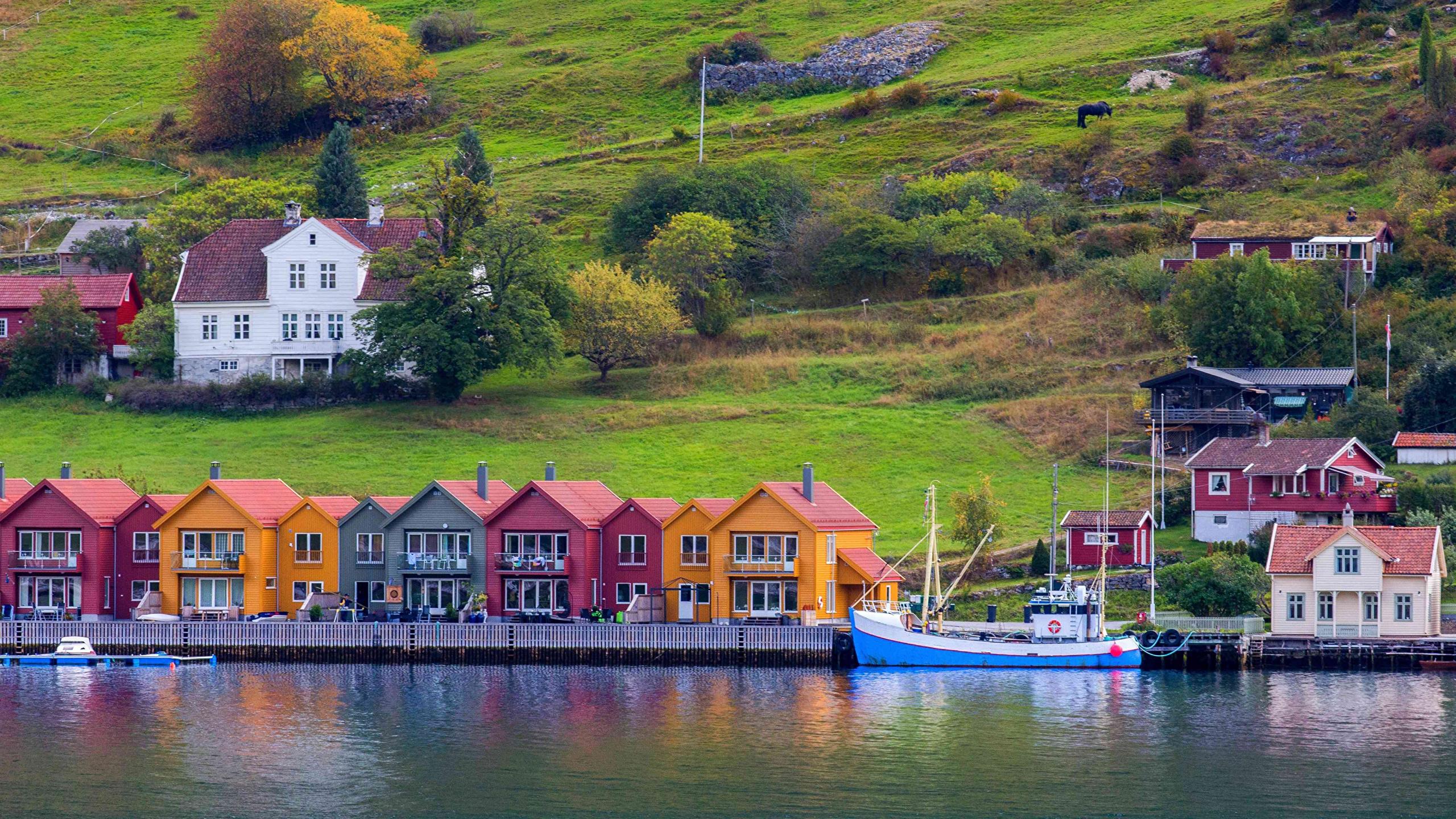 2560x1440 Noruega Casa Atracadouros Port de Kaupanger Baía Edifício, Píer Cidades