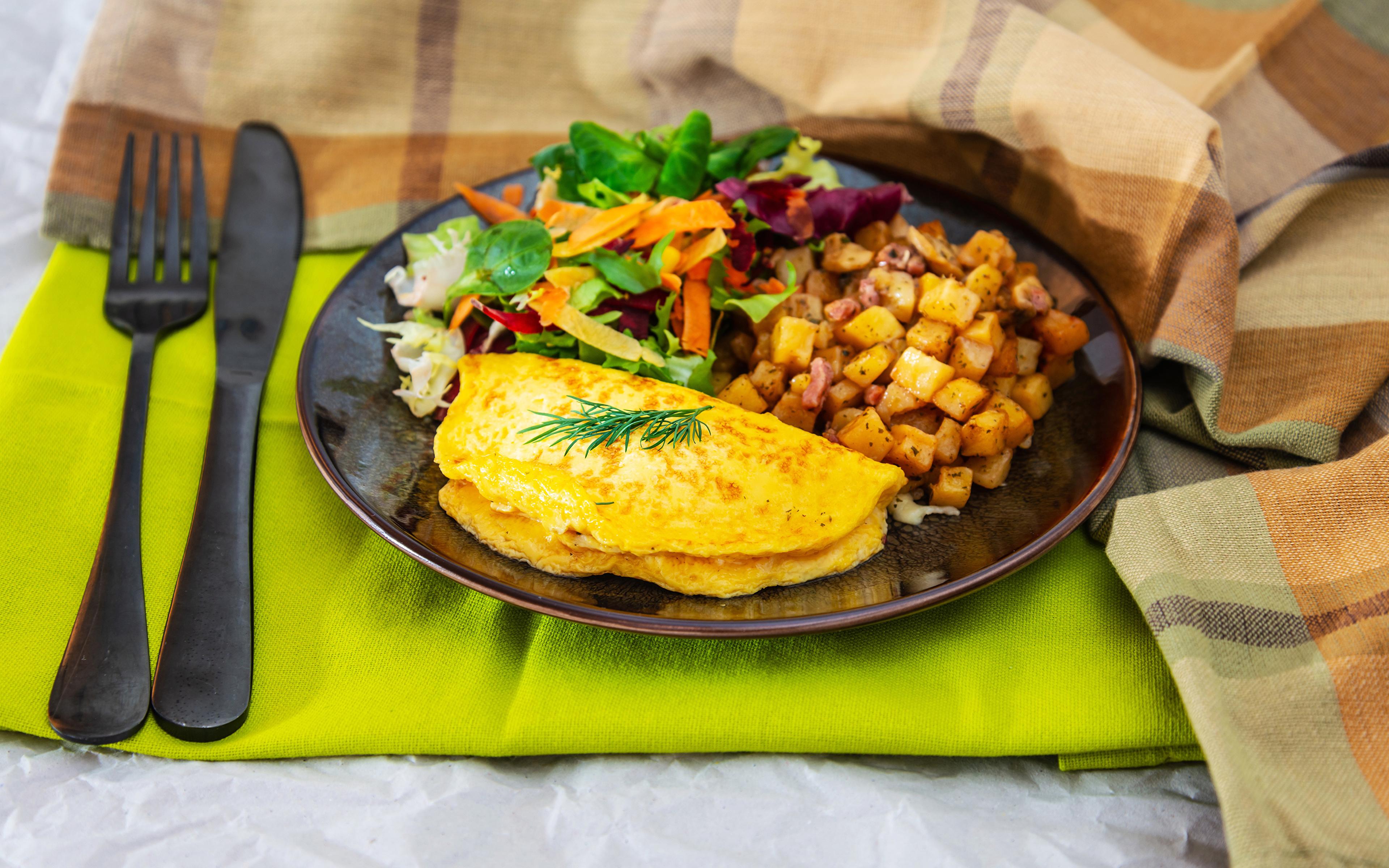 Fotos Messer Spiegelei Kartoffel Frühstück Gabel Teller Gemüse Lebensmittel 3840x2400 Essgabel das Essen