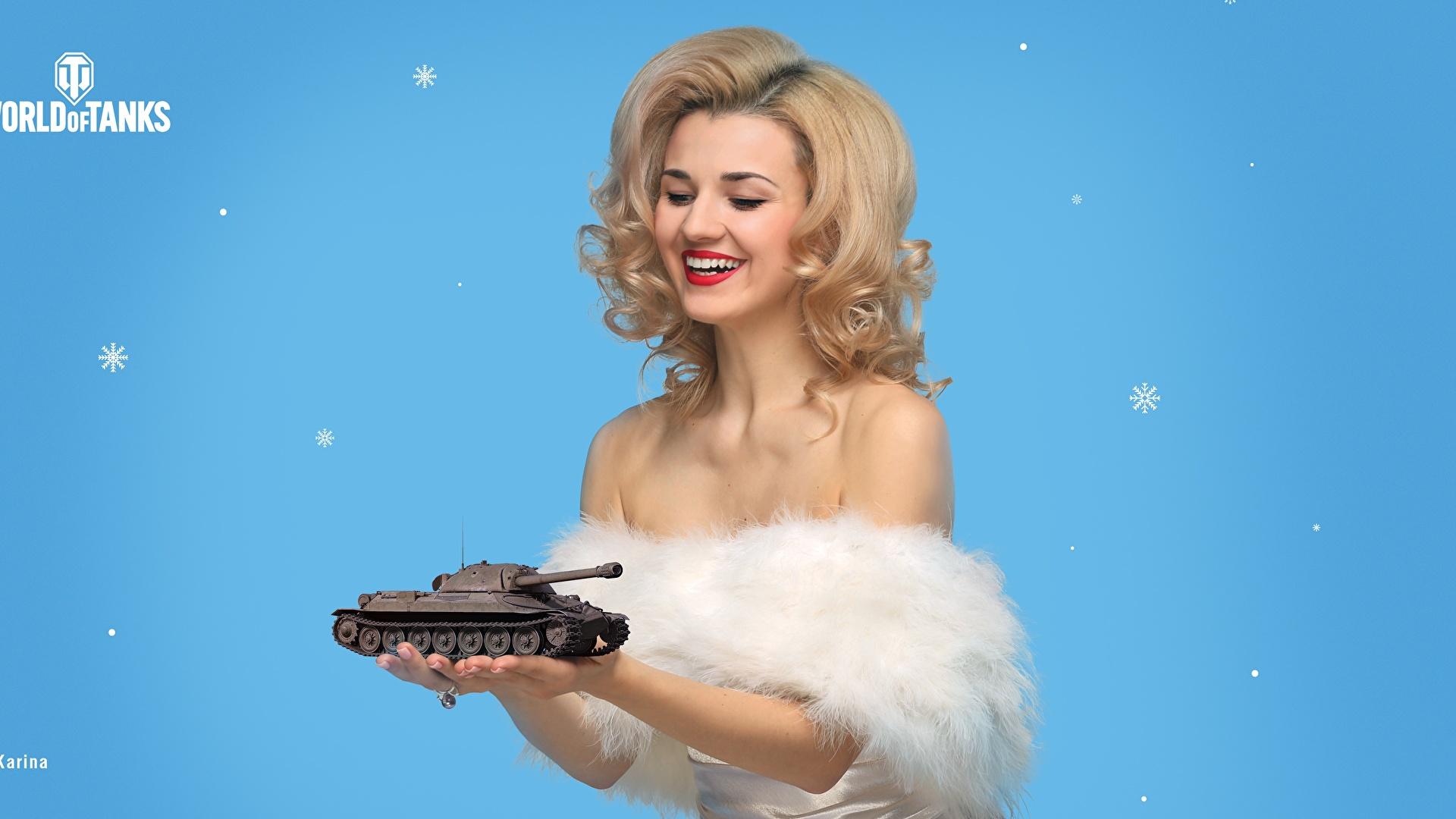 Bilder von World of Tanks Tag des Verteidigers des Vaterlandes Blondine Make Up Lächeln Karina Frisur junge Frauen Spiele Geschenke 1920x1080 WOT Blond Mädchen Schminke Frisuren Mädchens junge frau computerspiel