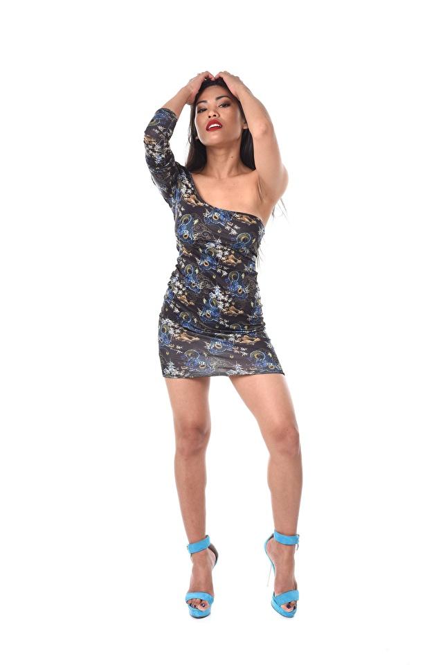 Fotos Polly Pons Brünette Pose junge frau Bein Asiatische Hand Kleid Stöckelschuh 640x960 für Handy posiert Mädchens junge Frauen Asiaten asiatisches High Heels