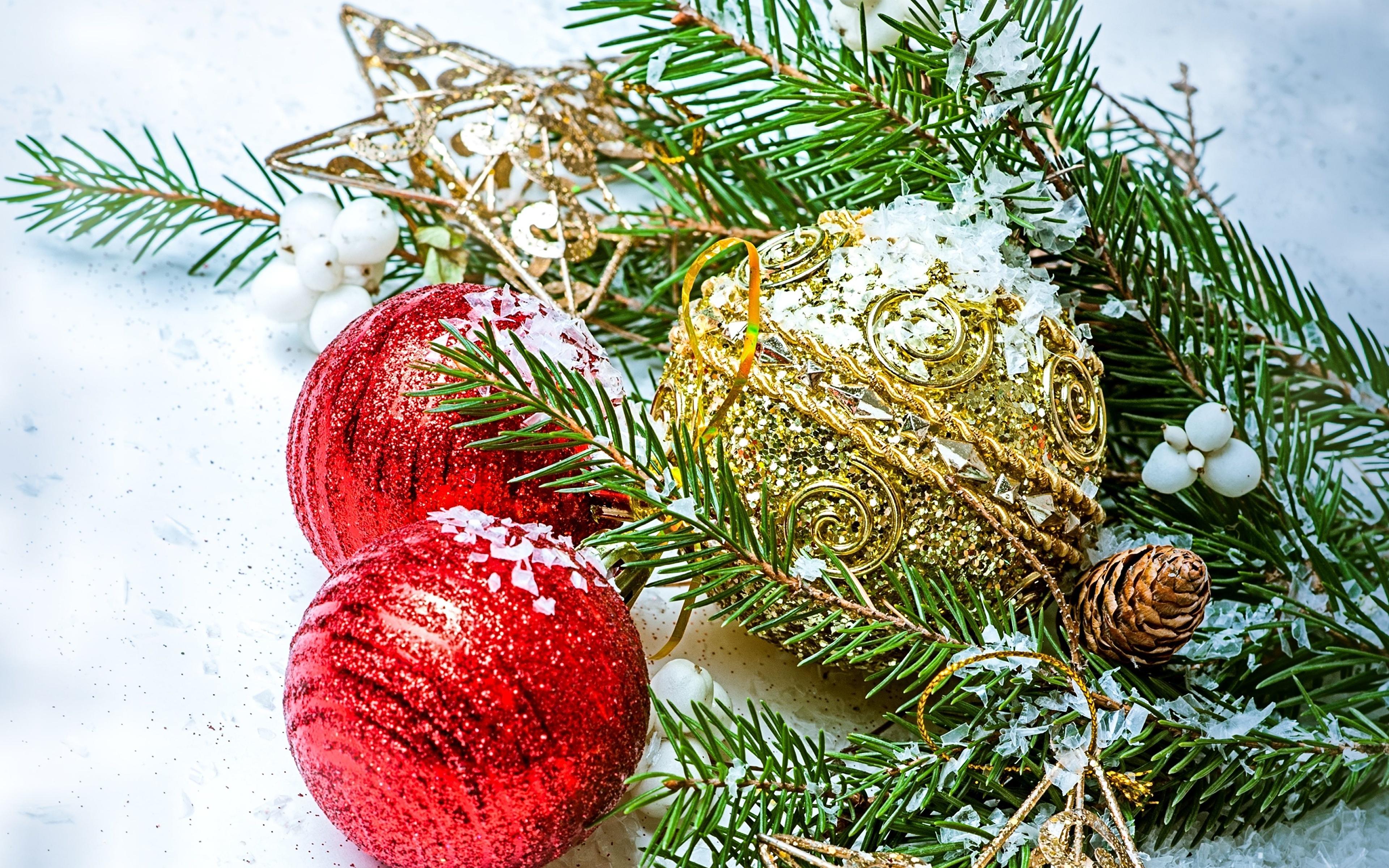 Weihnachtsbaum Ast.Hintergrundbilder Neujahr Weihnachtsbaum Ast Kugeln 3840x2400