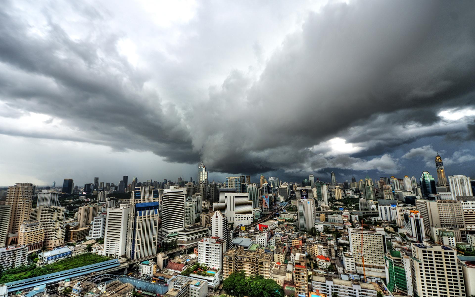 Sfondi del desktop Bangkok Thailandia Megalopoli Nubi Città La casa 1920x1200 Nuvole edificio