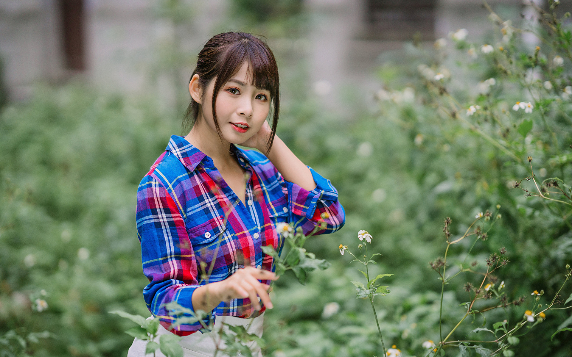 Foto Bokeh Hemd junge frau Asiatische Blick 1920x1200 unscharfer Hintergrund Mädchens junge Frauen Asiaten asiatisches Starren