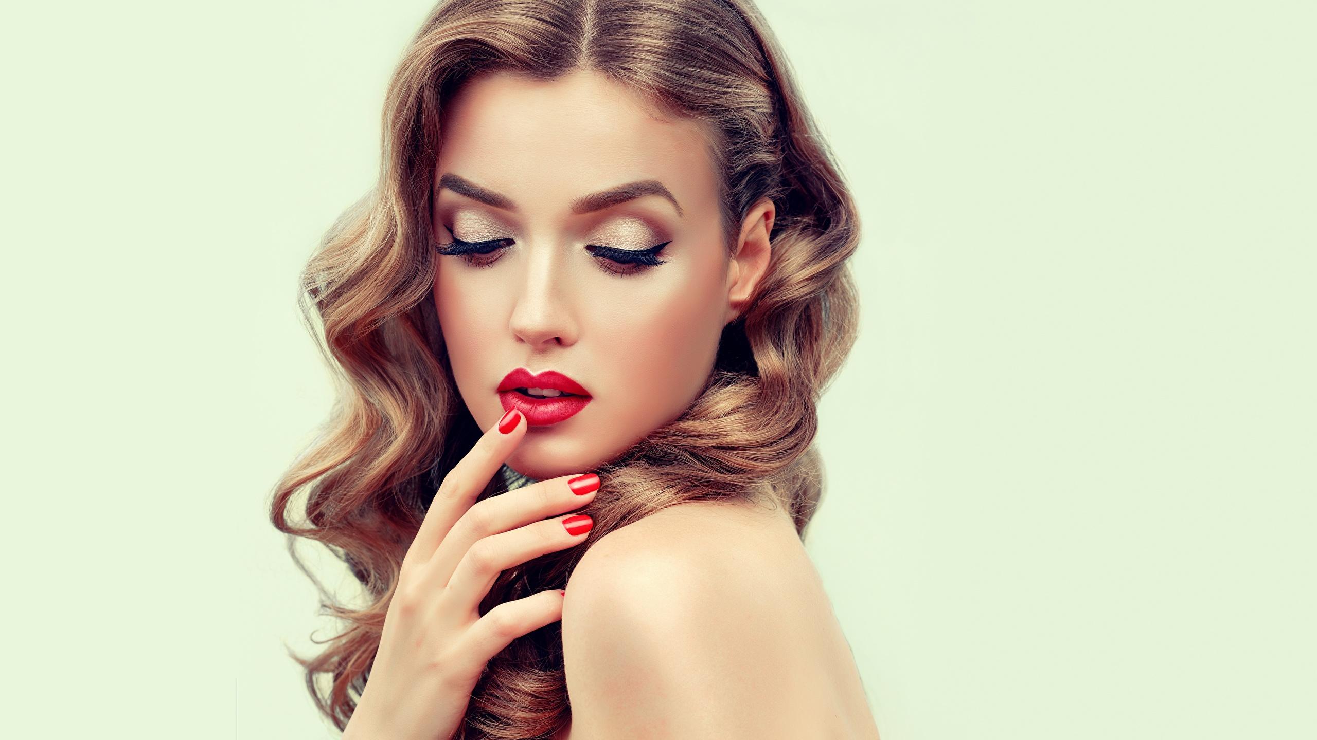 Photos Model Manicure Makeup Beautiful Hairdo Hair Face 2560x1440