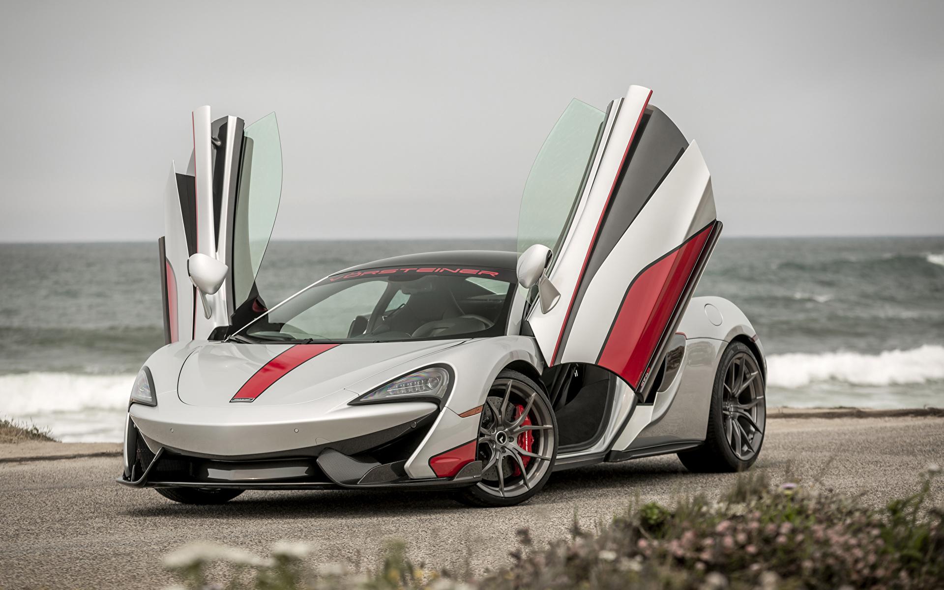Achtergronden Auto Tuning McLaren 2016 Vorsteiner 570-VX Zilveren kleur Open deur 1920x1200 auto's automobiel