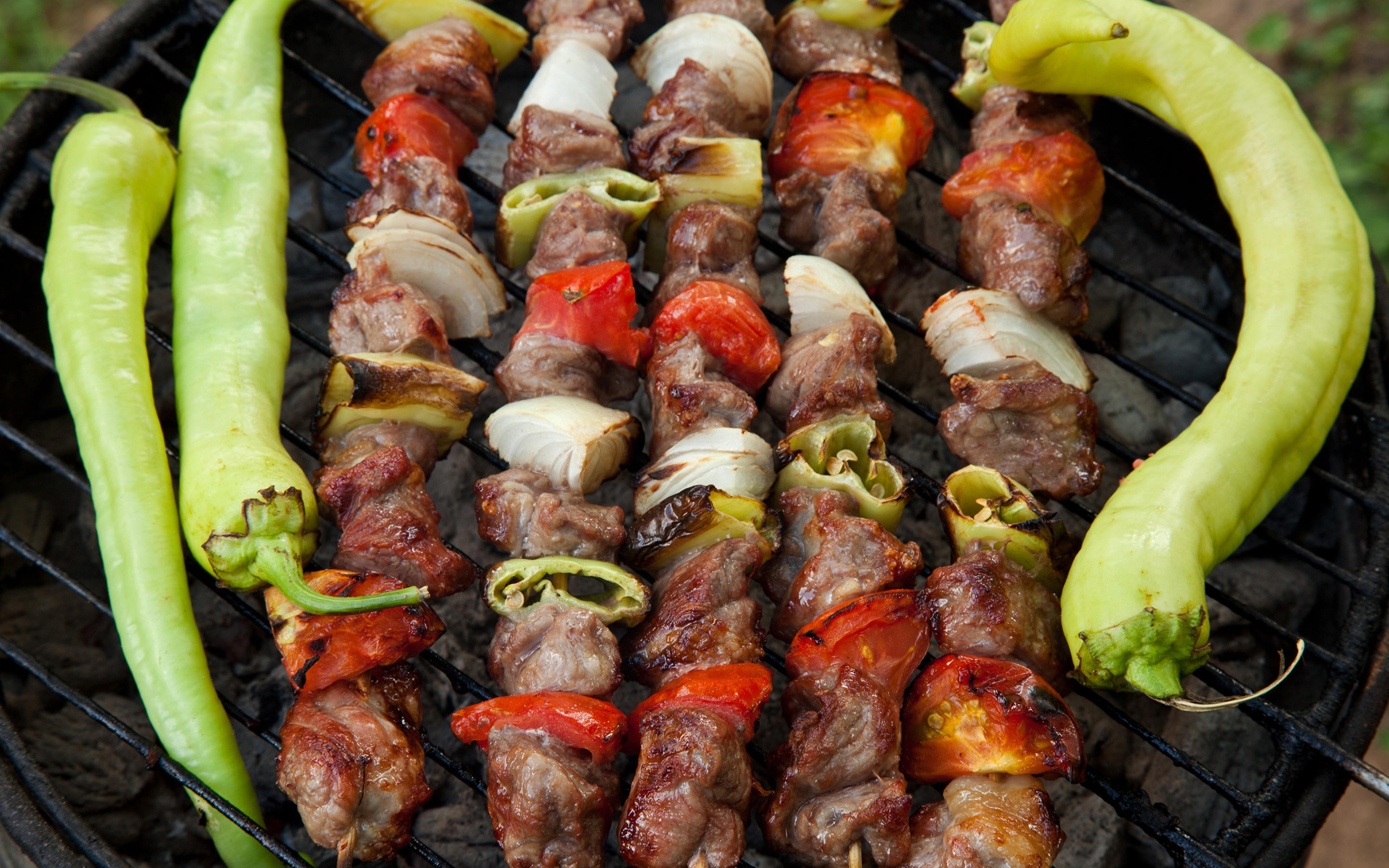 Fotos Schaschlik Gemüse Peperone das Essen Fleischwaren 3840x2400 Lebensmittel