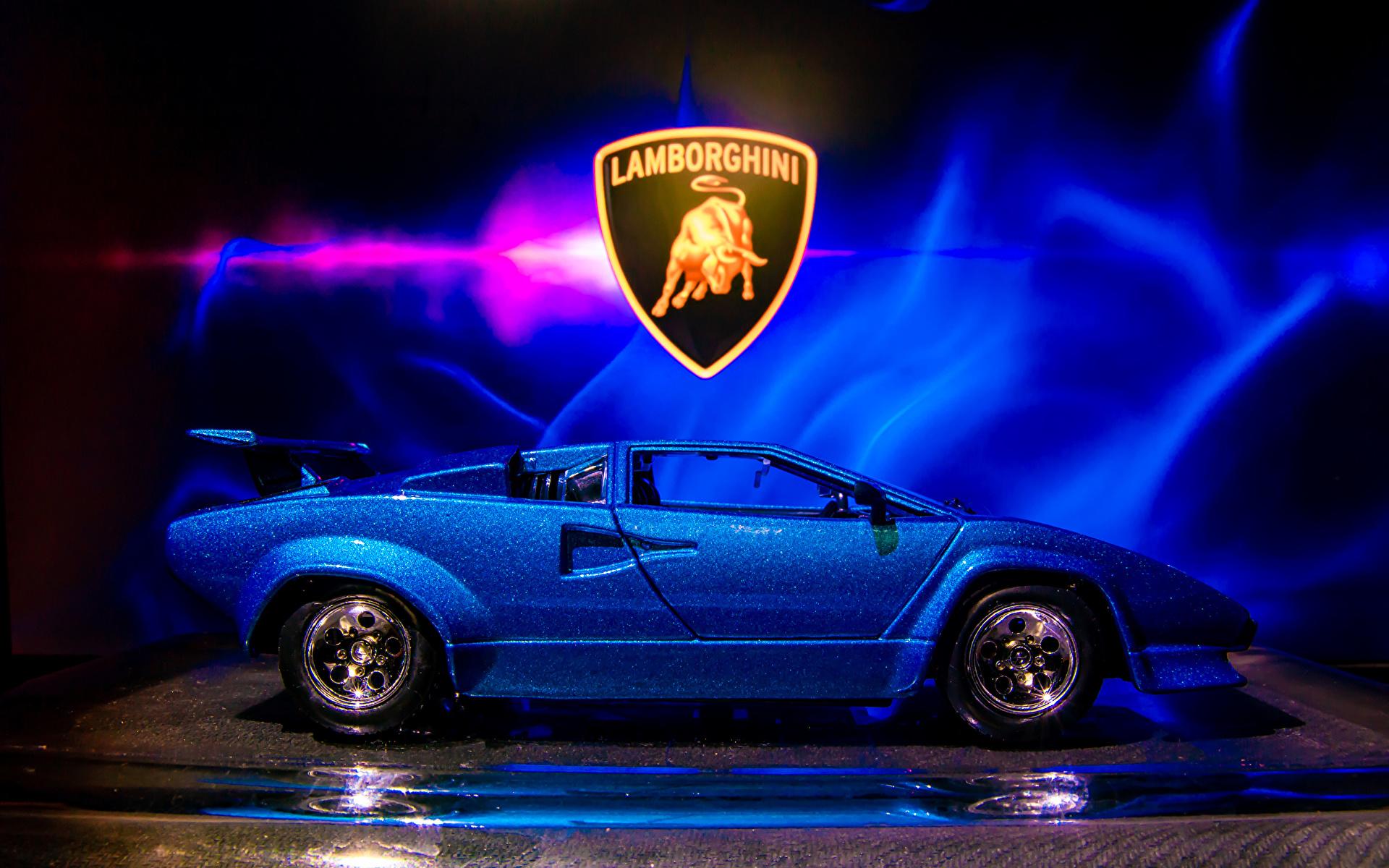 zdjęcia Lamborghini Countach sv 5000 Barwa niebieska Samochody Widok z boku Zabawki 1920x1200 samochód zabawka