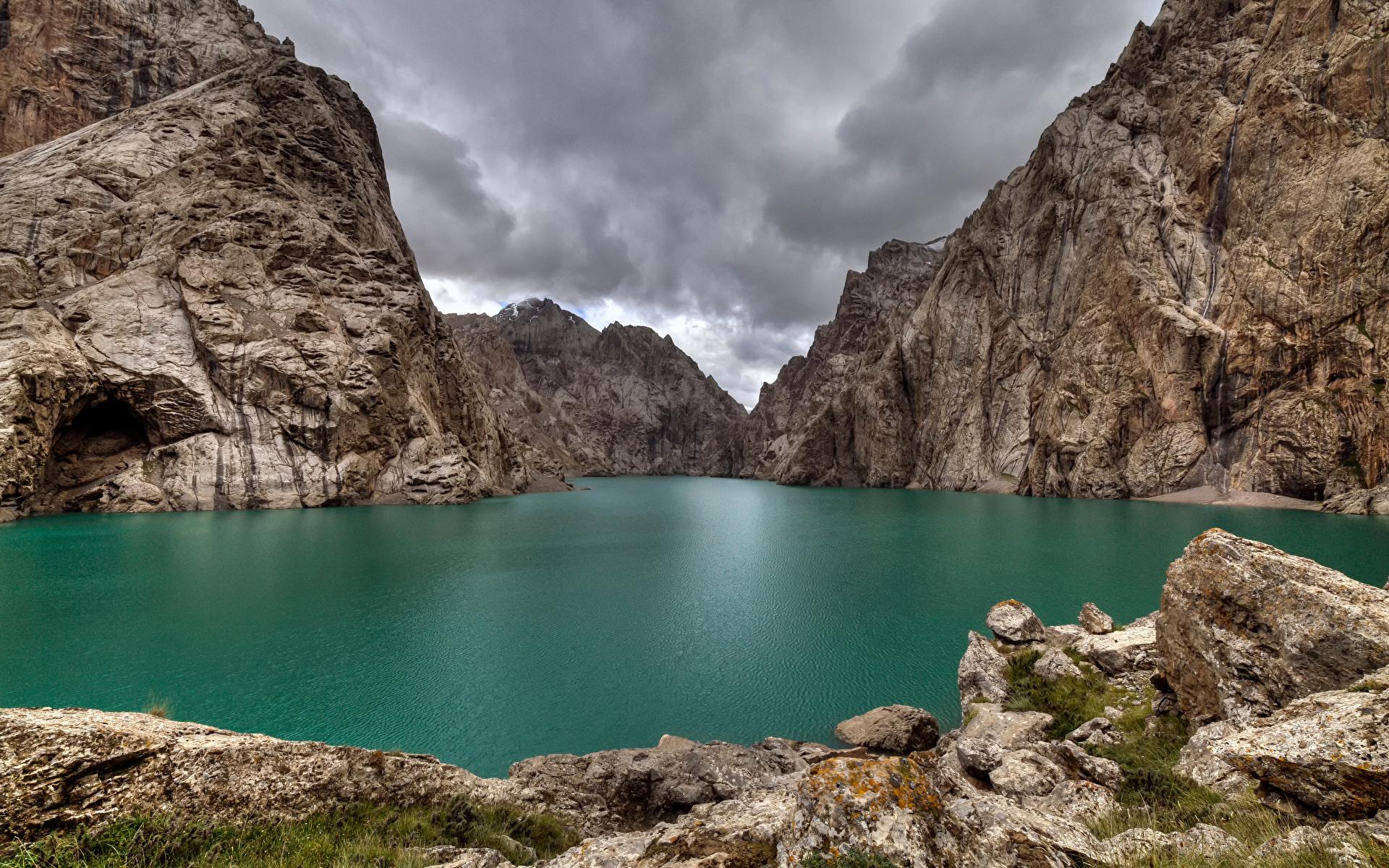 Bilder Lake Kel Suu, Kyrgyzstan Berg Natur Felsen See 1920x1200 Gebirge