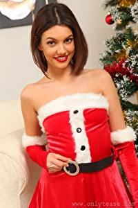 Hintergrundbilder Abigail B Neujahr Uniform Braunhaarige Blick Lächeln Mädchens