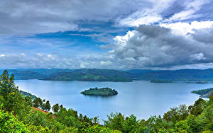 Hintergrundbilder Afrika See Insel Himmel Wolke Bäume Rwanda, Lake Burera, Ruhengeri, Mudimba Island Natur