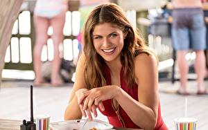 Pictures Smile Brown haired Hands Alexandra Daddario, Baywatch Girls
