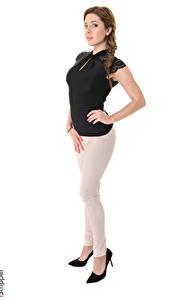 Bilder Ally Breelsen iStripper Weißer hintergrund Braunhaarige Posiert Zopf Hand Bein Mädchens