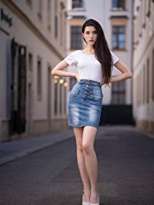 Fotos Pose Rock T-Shirt Blick Anastasia Mädchens