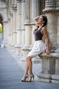 Hintergrundbilder Brünette Hand Rock Bein High Heels Posiert Anchie Maus junge Frauen