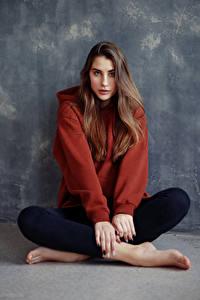 Bilder Sitzend Blick Model Braune Haare Anna, Evgeniy Bulatov junge frau