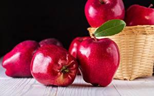Картинка Яблоки Крупным планом Красный Еда