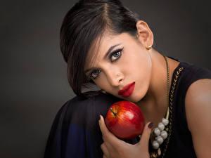 Bilder Äpfel Make Up Gesicht Blick Mädchens