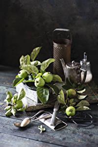 Fotos Äpfel Stillleben Bretter Ast Löffel das Essen