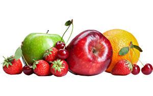Hintergrundbilder Äpfel Erdbeeren Kirsche Orange Frucht Obst Weißer hintergrund das Essen