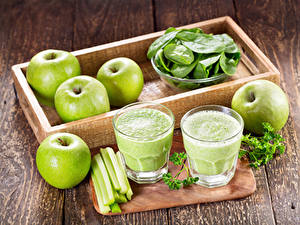 Hintergrundbilder Äpfel Gemüse Smoothie Bretter Trinkglas Lebensmittel