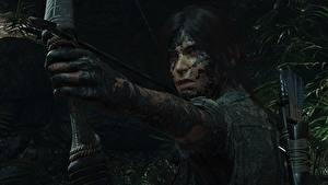 Bilder Bogenschütze Tomb Raider Schlamm Hand Lara Croft Shadow of the Tomb Raider computerspiel Mädchens