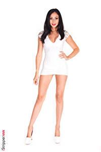 Fotos Ariana Marie iStripper Weißer hintergrund Brünette Kleid Hand Bein Stöckelschuh Mädchens
