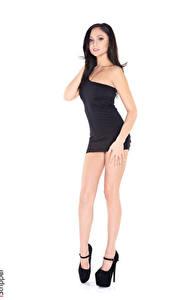 Fotos Ariana Marie iStripper Weißer hintergrund Brünette Hand Kleid Bein Stöckelschuh