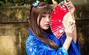 Hintergrundbilder Asiatische Braune Haare Hand Fächer Blick Mädchens