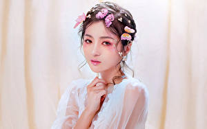 Hintergrundbilder Asiatische Schmetterling Make Up Starren junge frau