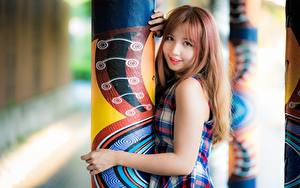 Pictures Asian Cute Glance Column Redhead girl Hands Girls