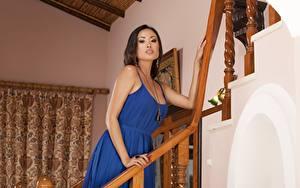 Fotos Asiatisches Brünette Kleid Hand Blick Davon Kim