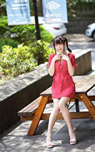 Hintergrundbilder Asiaten Kleid Starren Bein Zopf junge Frauen