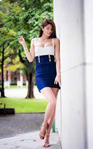 Hintergrundbilder Asiatische Kleid Bein Unscharfer Hintergrund junge Frauen
