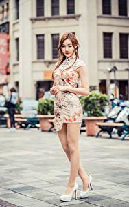 Hintergrundbilder Asiaten Kleid Bein Blick Mädchens