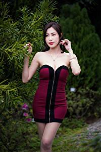 Hintergrundbilder Asiatische Kleid Pose Mädchens