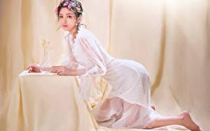 Hintergrundbilder Asiaten Kleid Posiert Make Up Blick junge frau