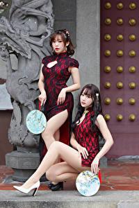 Hintergrundbilder Asiatische Kleid 2 Starren Bein Fächer Mädchens