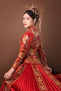 Bilder Asiaten Schmuck Brünette Blick Mädchens