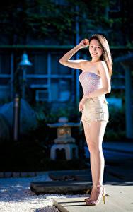 Hintergrundbilder Asiatische Bein Shorts Hand Blick junge Frauen