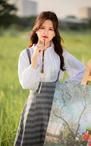 Tapety na pulpit Azjatycka Obraz Bokeh Spojrzenie Brązowowłosa dziewczyna Dziewczyny