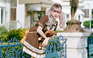 Hintergrundbilder Asiatisches Posiert Kleid Cosplay Blick Blondine junge frau