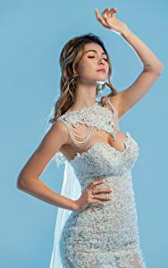 Fotos Asiaten Pose Kleid Hand Braut Mädchens
